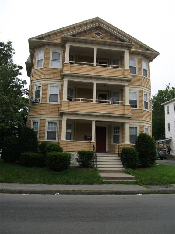 147 Dorchester St Maxmia Properties Worcester Ma Student Apartment Rentals