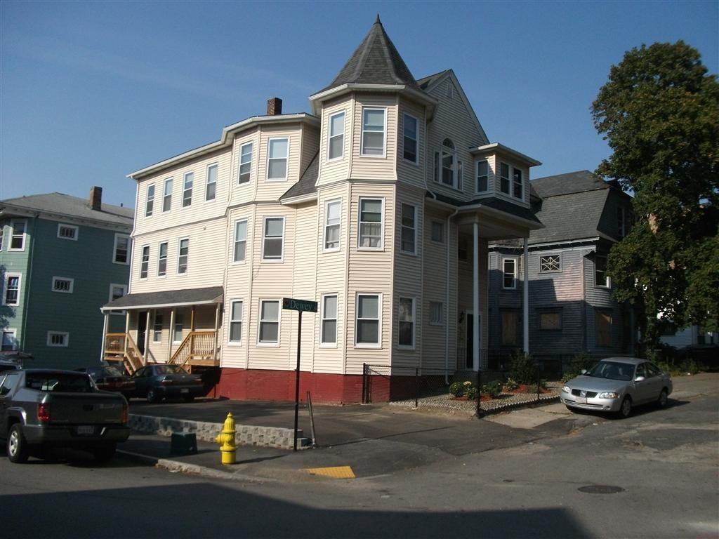226 Dewey Street Apt 2 Maxmia Properties Worcester Ma Student Apartment Rentals