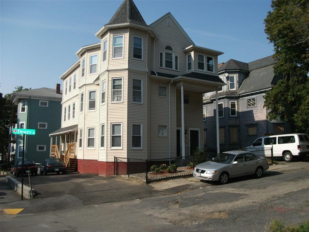 226 Dewey Street Unit 3r Maxmia Properties Worcester Ma Student Apartment Rentals