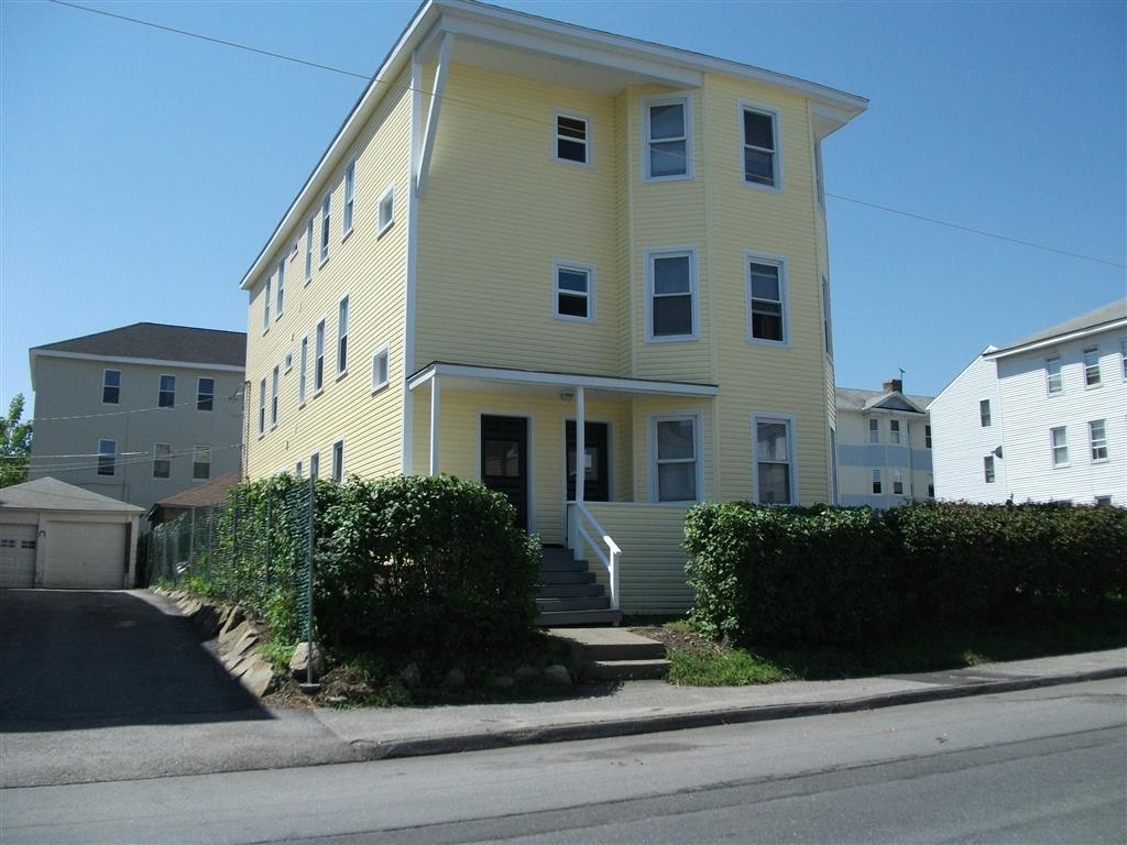 122 Dorchester St Apt 1 Maxmia Properties Worcester Ma Student Apartment Rentals